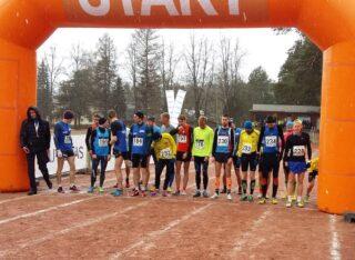 Meeste põhijooksu start Elva staadionil. Foto: EKJL