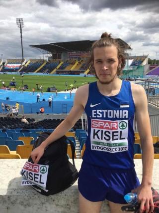 Rasmus Kisel noorsoo EMil Poolas. Foto: EKJL