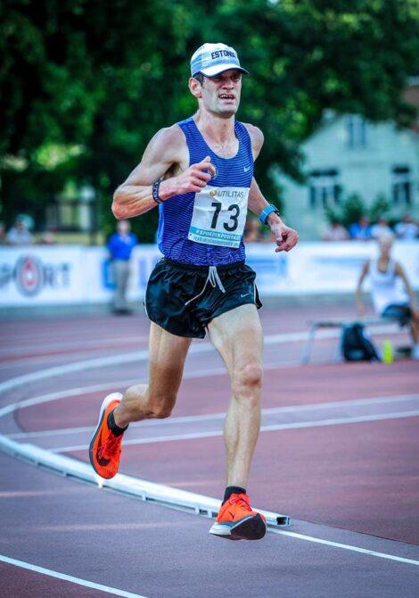 Tiidrek Nurme üksi 5000 m jooksu juhtimas. Foto: Marko Mumm/EKJL