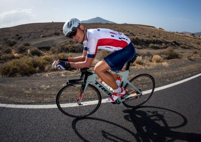 Rait Ratasepp raskel katsumusel jalgrattal sõitmasl. Foto: Jakob Meier
