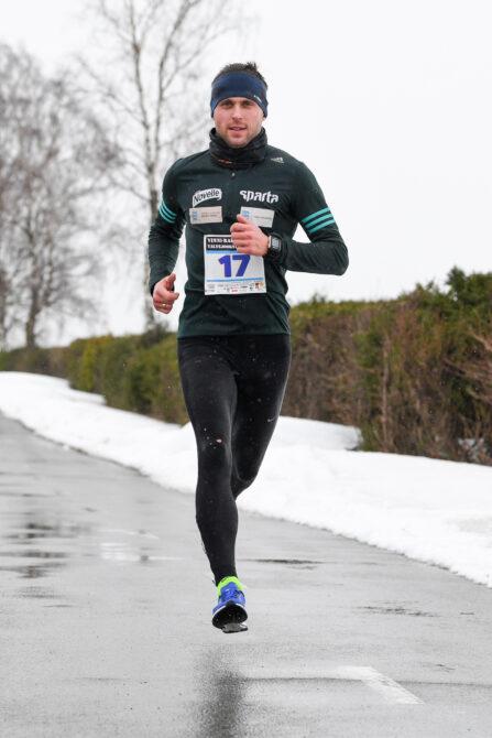 Roman Hvalõnski Vinni-Rakvere talvejooksul. Foto: Riho Lüüs