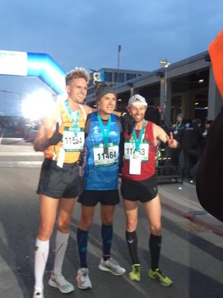 Leonid Latsepov (keskel) jooksu finišis. Korraldajate foto