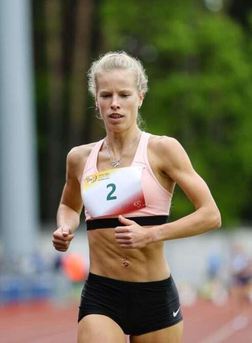 Kelly Nevolihhin 1500 m jooksu juhtimas. Foto: SELL