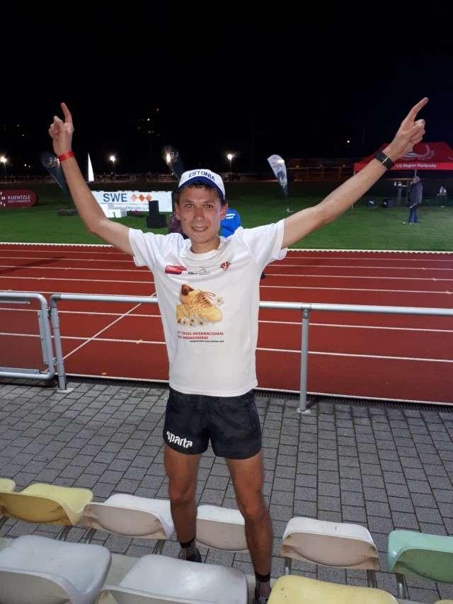 Leonid Latsepov pärast 5000 m jooksu staadionil. Foto: erakogu