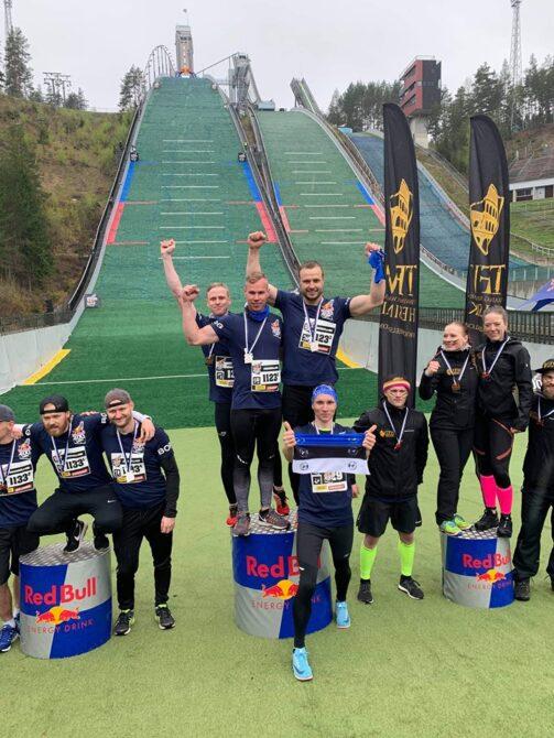Eesti neljaliikmeline võistkond (keskel). Foto: erakogu