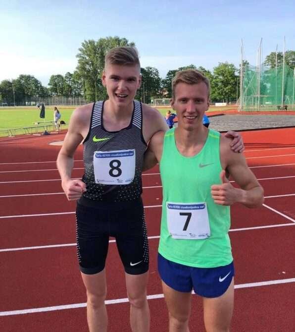 Deniss Salmjanov ja jooksu võitja Kljuzin. Foto: erakogu