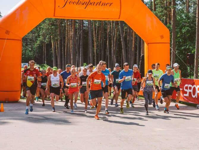 Elva Järvede Jooksu start. Korraldaja foto