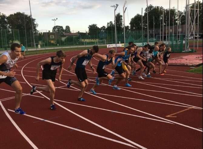 1500 m jooksu start. Foto: Andrus Mutli
