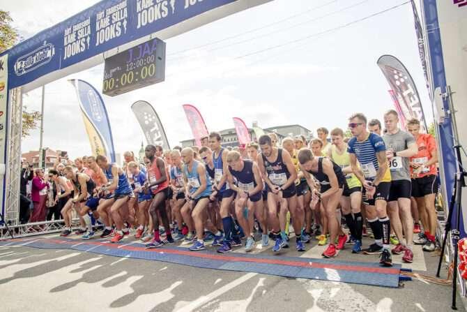 Pärnu Kahe Silla Jooksu start 2018. aastal. Foto: Albert Sillaste