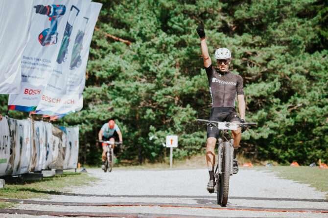 Markus Pajur finišeerimas. Foto: Bosch Maastikurattasari