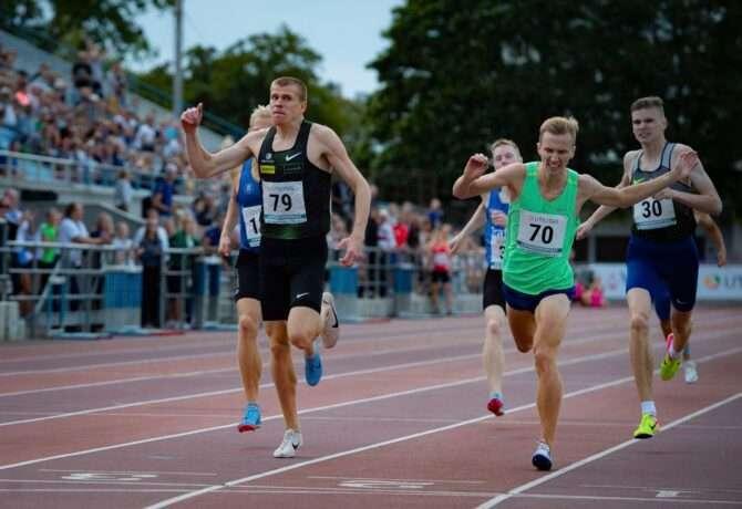 Kaur Kivistik 800 m jooksu võitmas. Foto: Marko Mumm/EKJL