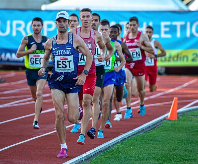 Tiidrek Nurme 5000 m jooksu juhtimas. Foto: Marko Mumm/EKJL