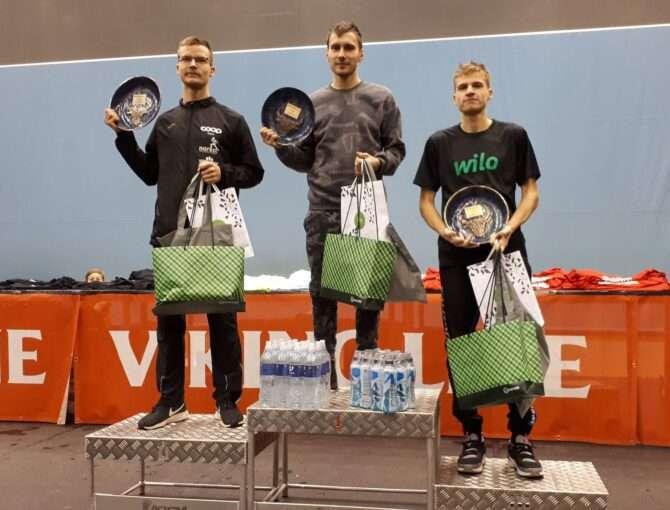 Eesti Ööjooksu talve eri kolm kiiremat meest. Vasakult: Mardo Lundver, Dmitri Aristov ja Foto: erakogu
