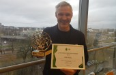 Erki Nool sai tunnustusest teada Eesti Olümpiakomitee kontoris, kui oli tulnud EOK tippspordikomisjoni koosolekule. Foto: EOK